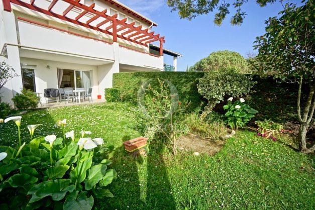location-vacances-bidart-t2-jardin-terrasse-parking-plage-a-pied-plancha-2021-005