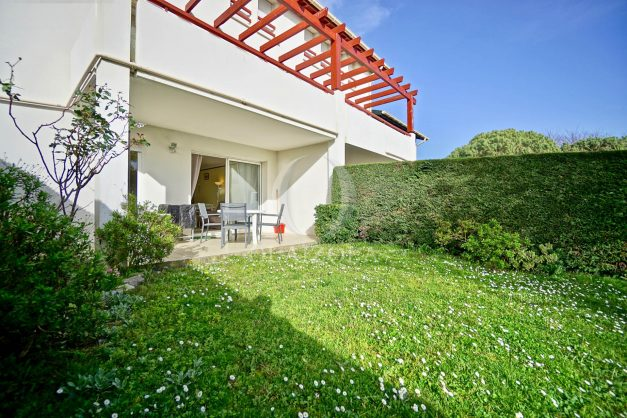 location-vacances-bidart-t2-jardin-terrasse-parking-plage-a-pied-plancha-2021-006