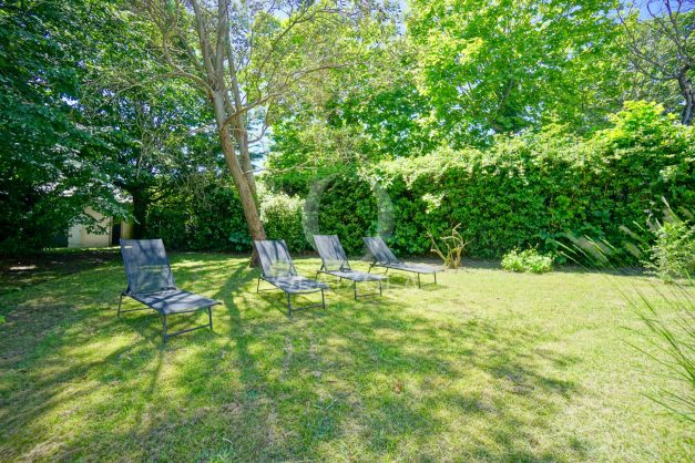 location-vacances-biarritz-appartement-t4-terrasses-jardins-proche-centre-ville-plages-standing-salon-jardin-009