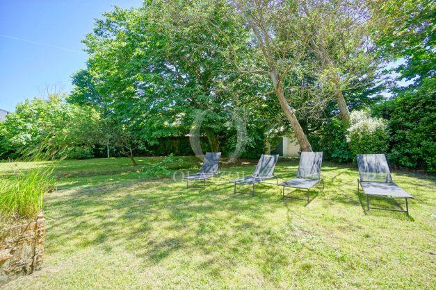 location-vacances-biarritz-appartement-t4-terrasses-jardins-proche-centre-ville-plages-standing-salon-jardin-010