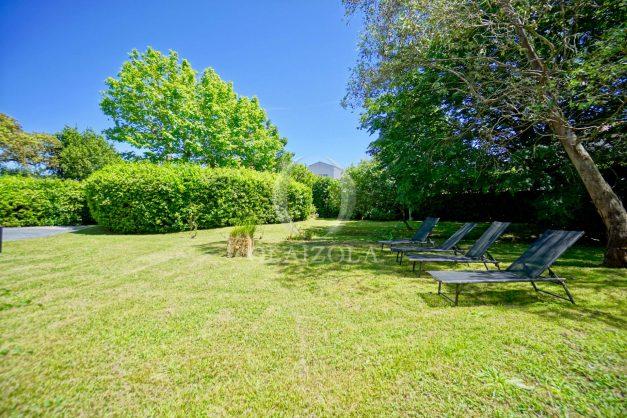 location-vacances-biarritz-appartement-t4-terrasses-jardins-proche-centre-ville-plages-standing-salon-jardin-011