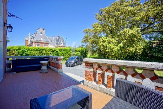 location-vacances-biarritz-appartement-t4-terrasses-jardins-proche-centre-ville-plages-standing-salon-jardin-017