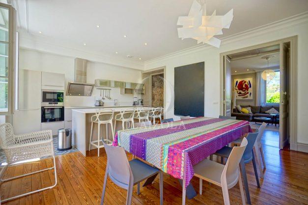 location-vacances-biarritz-appartement-t4-terrasses-jardins-proche-centre-ville-plages-standing-salon-jardin-029