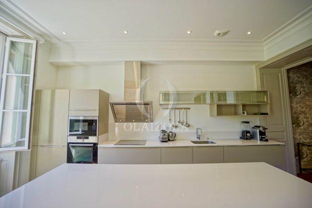 location-vacances-biarritz-appartement-t4-terrasses-jardins-proche-centre-ville-plages-standing-salon-jardin-033