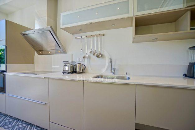 location-vacances-biarritz-appartement-t4-terrasses-jardins-proche-centre-ville-plages-standing-salon-jardin-040