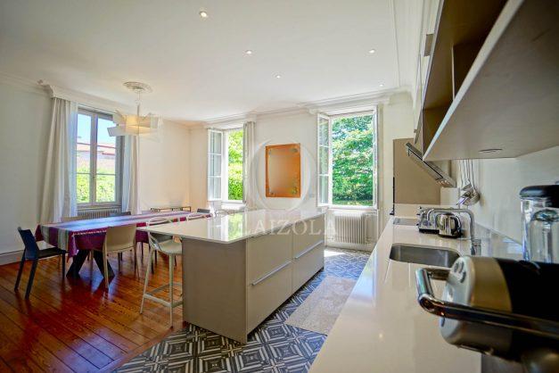 location-vacances-biarritz-appartement-t4-terrasses-jardins-proche-centre-ville-plages-standing-salon-jardin-041