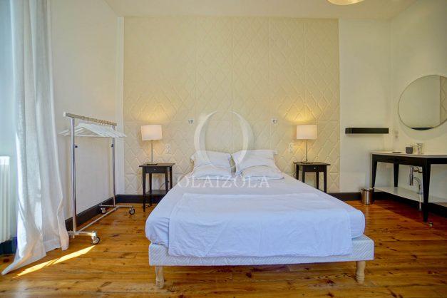 location-vacances-biarritz-appartement-t4-terrasses-jardins-proche-centre-ville-plages-standing-salon-jardin-052