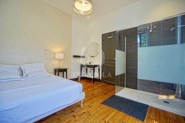 location-vacances-biarritz-appartement-t4-terrasses-jardins-proche-centre-ville-plages-standing-salon-jardin-054