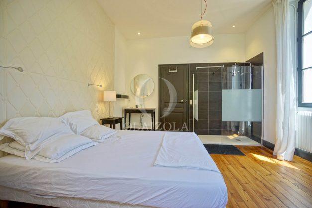 location-vacances-biarritz-appartement-t4-terrasses-jardins-proche-centre-ville-plages-standing-salon-jardin-055