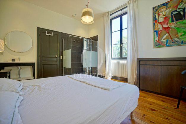 location-vacances-biarritz-appartement-t4-terrasses-jardins-proche-centre-ville-plages-standing-salon-jardin-056