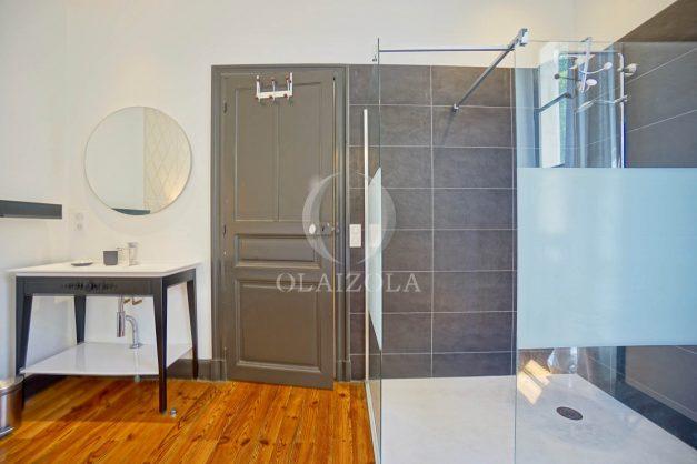 location-vacances-biarritz-appartement-t4-terrasses-jardins-proche-centre-ville-plages-standing-salon-jardin-057