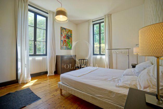 location-vacances-biarritz-appartement-t4-terrasses-jardins-proche-centre-ville-plages-standing-salon-jardin-058