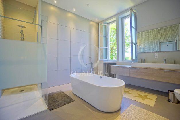 location-vacances-biarritz-appartement-t4-terrasses-jardins-proche-centre-ville-plages-standing-salon-jardin-060