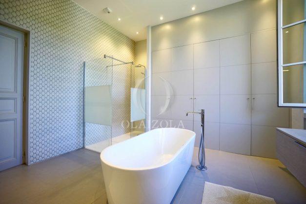 location-vacances-biarritz-appartement-t4-terrasses-jardins-proche-centre-ville-plages-standing-salon-jardin-061