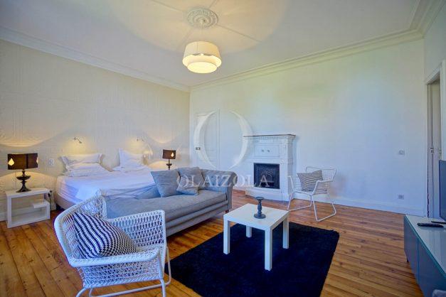 location-vacances-biarritz-appartement-t4-terrasses-jardins-proche-centre-ville-plages-standing-salon-jardin-072