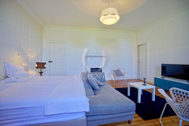 location-vacances-biarritz-appartement-t4-terrasses-jardins-proche-centre-ville-plages-standing-salon-jardin-073