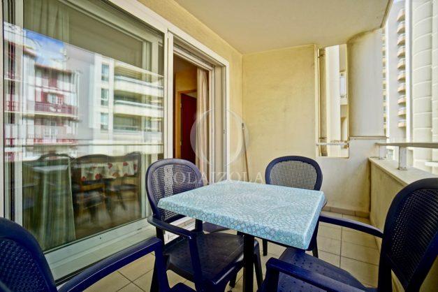 location-vacances-biarritz-appartement-proche-grande-plage-hotel-du-palais-centre-ville-parking-terrasse-balcon-plage-a-pied-2021-004