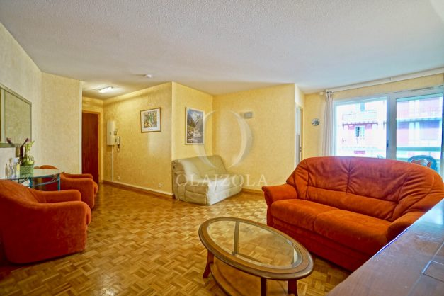 location-vacances-biarritz-appartement-proche-grande-plage-hotel-du-palais-centre-ville-parking-terrasse-balcon-plage-a-pied-2021-009