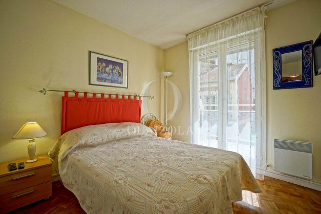 location-vacances-biarritz-appartement-proche-grande-plage-hotel-du-palais-centre-ville-parking-terrasse-balcon-plage-a-pied-2021-015