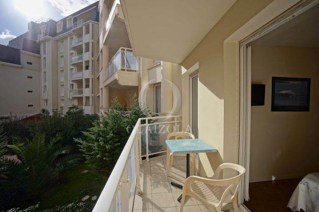 location-vacances-biarritz-appartement-proche-grande-plage-hotel-du-palais-centre-ville-parking-terrasse-balcon-plage-a-pied-2021-022
