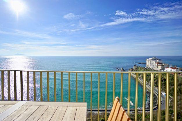 Appartement-Biarritz-T3-location-vacance-incroyable-vue-mer-cote-des-basques-centre-ville-tout-a-pied-climatisation-2021-006