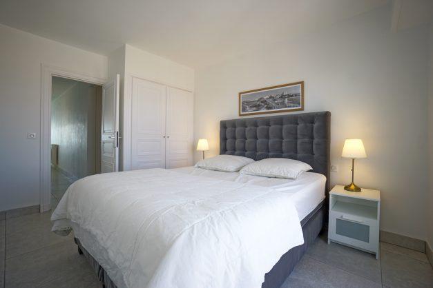 Appartement-Biarritz-T3-location-vacance-incroyable-vue-mer-cote-des-basques-centre-ville-tout-a-pied-climatisation-2021-021