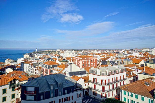 Appartement-Biarritz-T3-location-vacance-incroyable-vue-mer-cote-des-basques-centre-ville-tout-a-pied-climatisation-2021-024