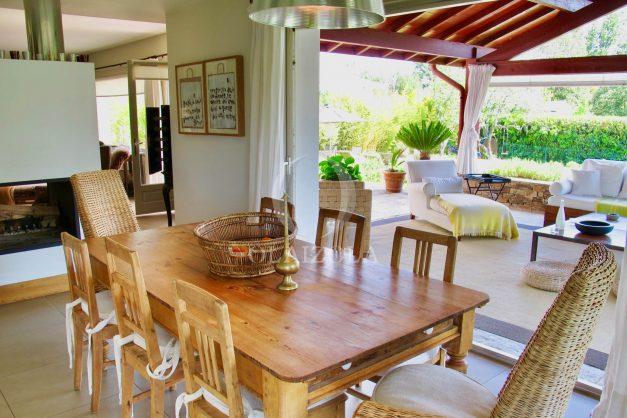 location-villa-luxe-biarritz-piscine-chauffee-calme-grand-terrain-014