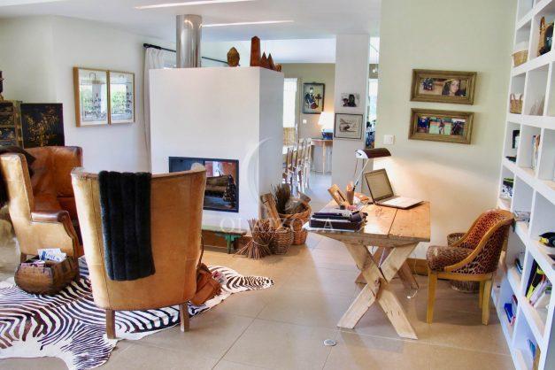 location-villa-luxe-biarritz-piscine-chauffee-calme-grand-terrain-021