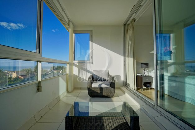 appartement-vue-mer-anglet-chambre-d-amour-location-vacances-biarritz-terrasse-parking-standing-plage-a-pied-2019-007
