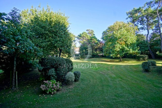 appartement-vue-mer-anglet-chambre-d-amour-location-vacances-biarritz-terrasse-parking-standing-plage-a-pied-2019-031