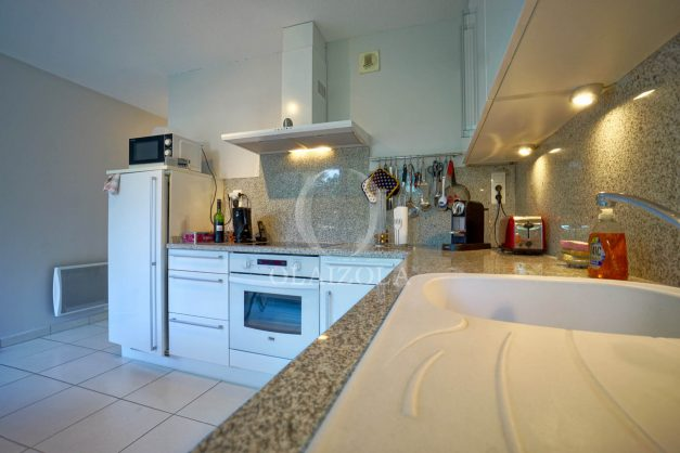 appartement-vue-mer-anglet-chambre-d-amour-location-vacances-biarritz-terrasse-parking-standing-plage-a-pied-2019-037