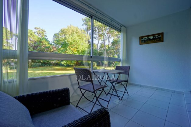 appartement-vue-mer-anglet-chambre-d-amour-location-vacances-biarritz-terrasse-parking-standing-plage-a-pied-2019-039