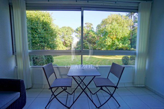 appartement-vue-mer-anglet-chambre-d-amour-location-vacances-biarritz-terrasse-parking-standing-plage-a-pied-2019-040
