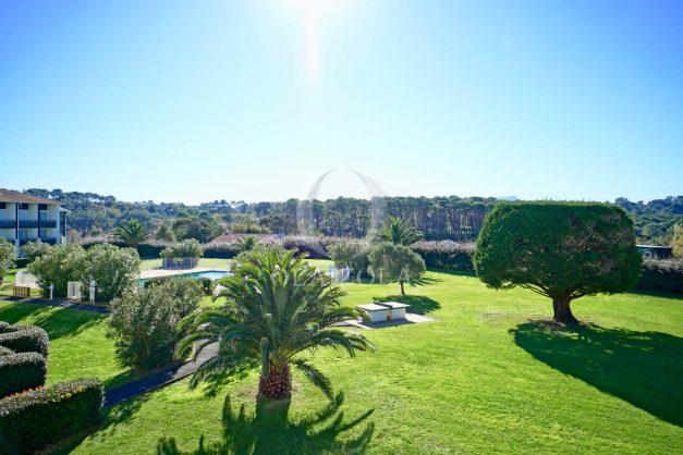 location-vacances-bidart-appartement-vue-mer-ilbarritz-terrasse-piscine-parking-residence-mer-et-golf-plage-a-pied-2020-007