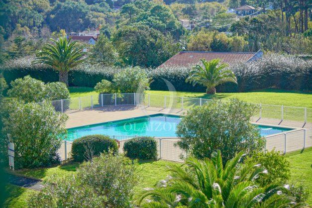 location-vacances-bidart-appartement-vue-mer-ilbarritz-terrasse-piscine-parking-residence-mer-et-golf-plage-a-pied-2020-008