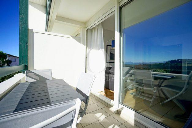 location-vacances-bidart-appartement-vue-mer-ilbarritz-terrasse-piscine-parking-residence-mer-et-golf-plage-a-pied-2020-010