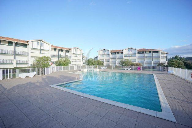 location-vacances-bidart-appartement-vue-mer-ilbarritz-terrasse-piscine-parking-residence-mer-et-golf-plage-a-pied-2020-032