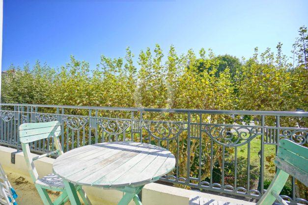 location-vacances-biarritz-appartement-2-chambres-balcon-jardin-public-centre-ville-plage-a-pied-2020-001