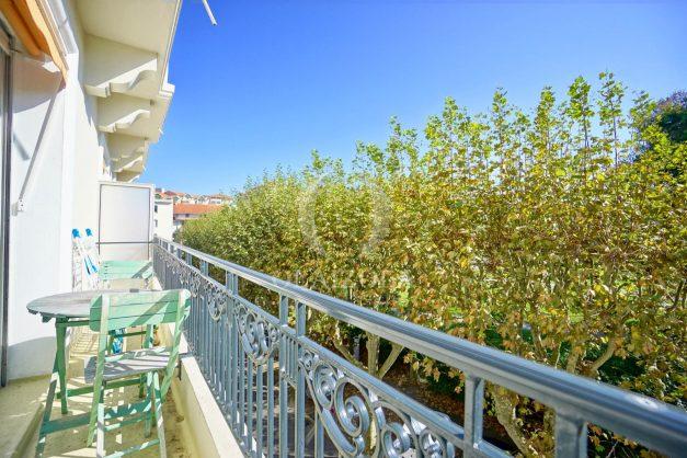 location-vacances-biarritz-appartement-2-chambres-balcon-jardin-public-centre-ville-plage-a-pied-2020-002
