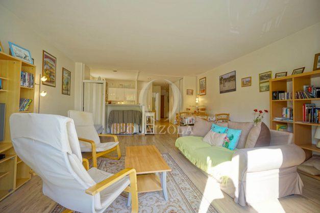 location-vacances-biarritz-appartement-2-chambres-balcon-jardin-public-centre-ville-plage-a-pied-2020-005