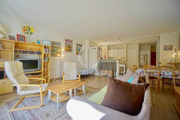 location-vacances-biarritz-appartement-2-chambres-balcon-jardin-public-centre-ville-plage-a-pied-2020-006