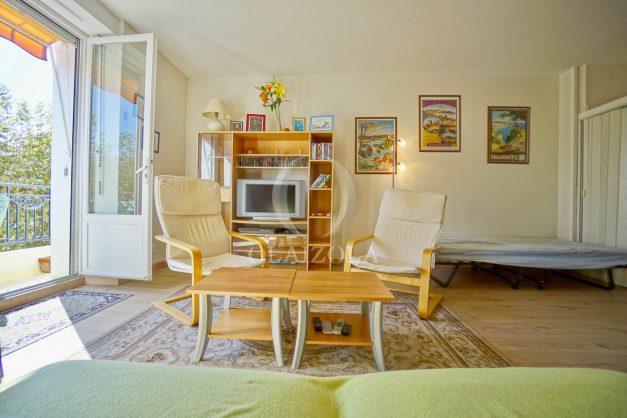 location-vacances-biarritz-appartement-2-chambres-balcon-jardin-public-centre-ville-plage-a-pied-2020-007