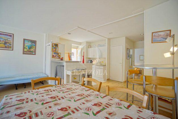 location-vacances-biarritz-appartement-2-chambres-balcon-jardin-public-centre-ville-plage-a-pied-2020-012