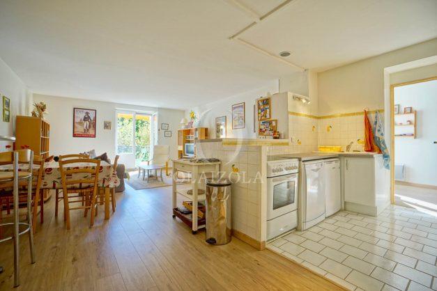 location-vacances-biarritz-appartement-2-chambres-balcon-jardin-public-centre-ville-plage-a-pied-2020-013
