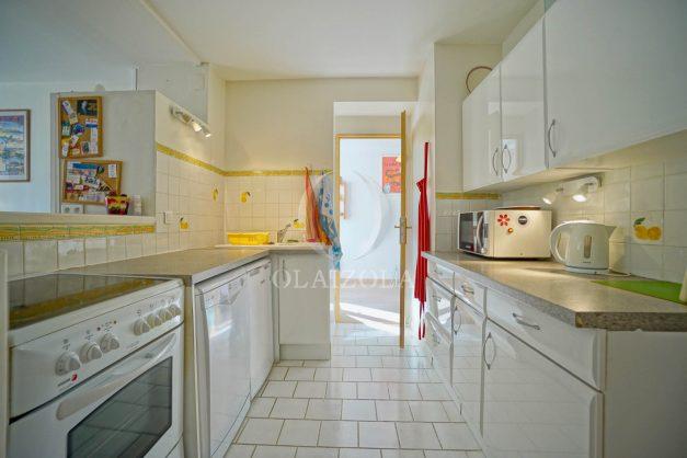 location-vacances-biarritz-appartement-2-chambres-balcon-jardin-public-centre-ville-plage-a-pied-2020-014