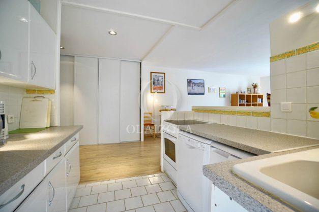 location-vacances-biarritz-appartement-2-chambres-balcon-jardin-public-centre-ville-plage-a-pied-2020-015