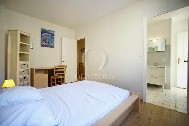 location-vacances-biarritz-appartement-2-chambres-balcon-jardin-public-centre-ville-plage-a-pied-2020-019