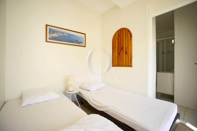 location-vacances-biarritz-appartement-2-chambres-balcon-jardin-public-centre-ville-plage-a-pied-2020-021