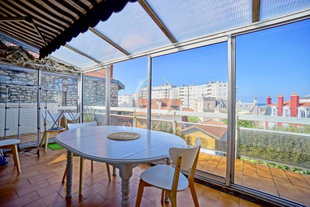 location-vacances-biarritz-appartement-vue-mer-2-chambres-terrasse-veranda-plage-a-pied-vacances-de-reve-2019-001